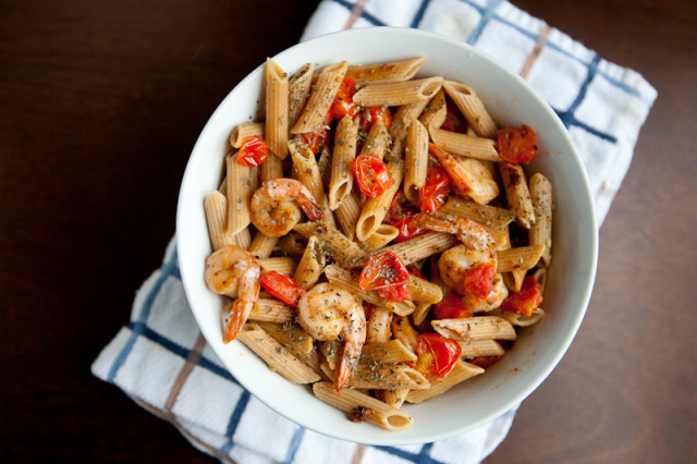 Garlic Shrimp Pasta with Tomatoes and Basil Recipe