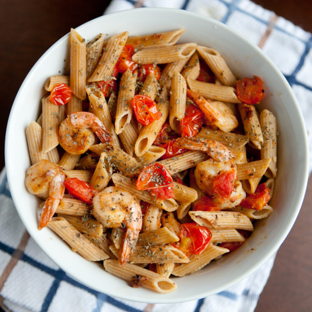 Garlic Shrimp Pasta with Tomato and Basil