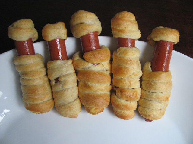 Mummy Hot Dogs for Halloween
